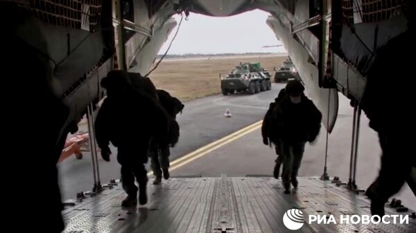 Отправка российских миротворцев в Нагорный Карабах. Кадр видео