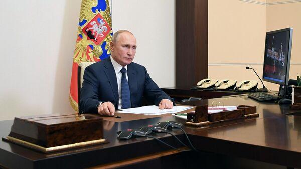 Президент РФ Владимир Путин во время заявления по поводу ситуции в Нагорном Карабахе