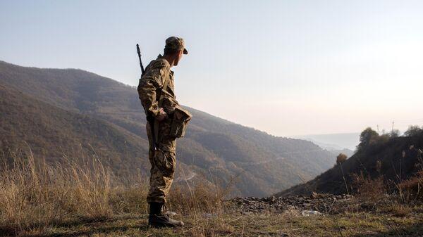 Вооруженный мужчина в районе Лачинского коридора
