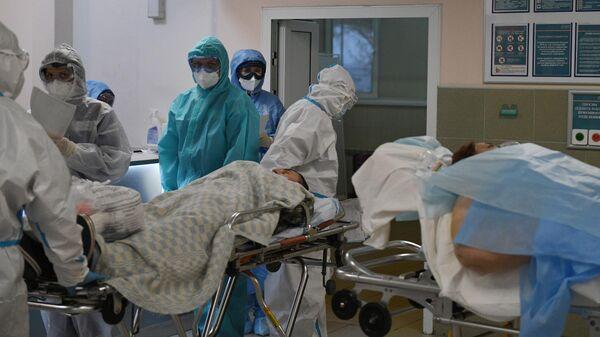 Распределительный пост в ковид-госпитале, организованном в городской клинической больнице №15 имени О. М. Филатова в Москве