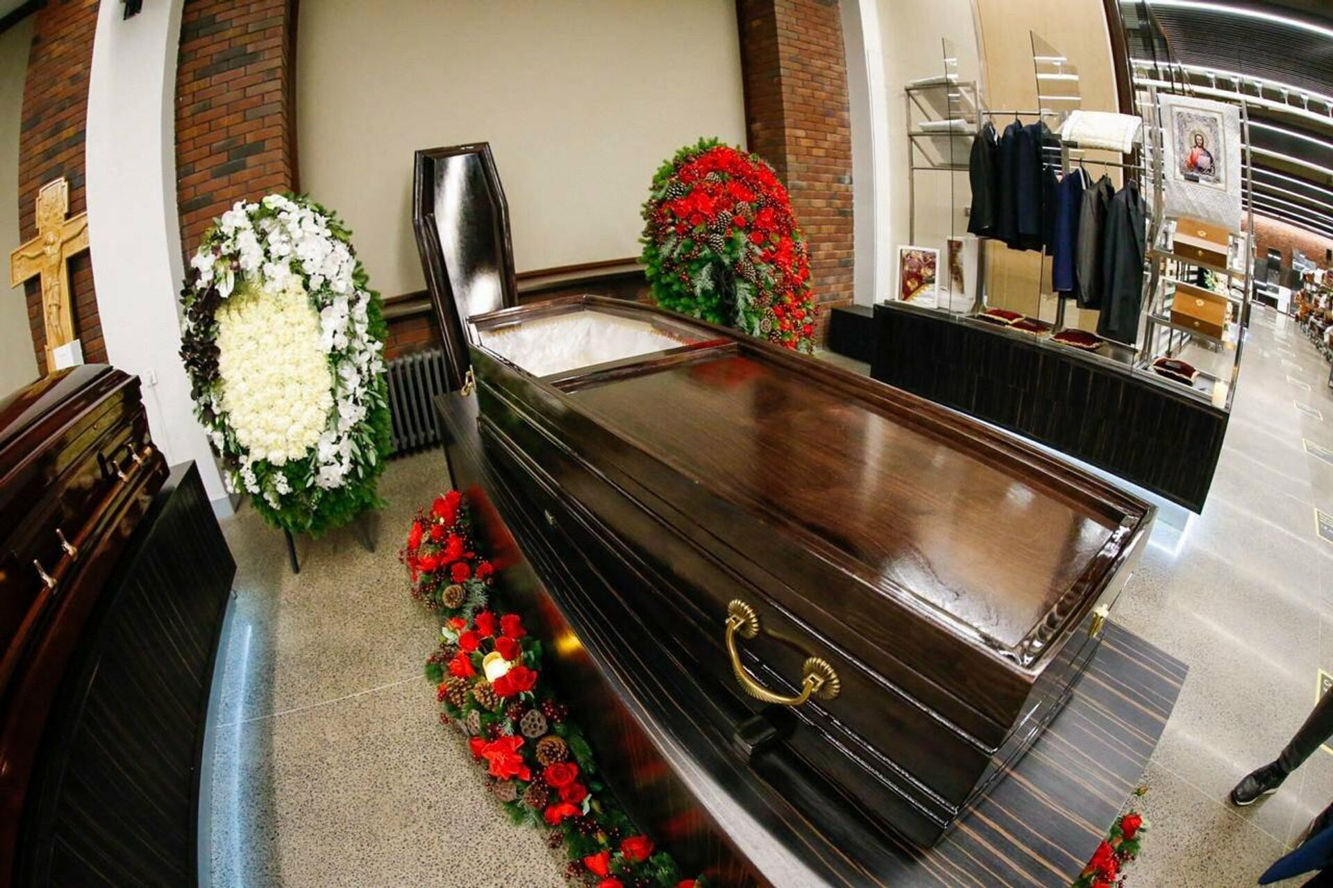 Гробы от ГБУ Ритуал со стеклянными крышками для умерших от коронавируса - РИА Новости, 1920, 12.11.2020