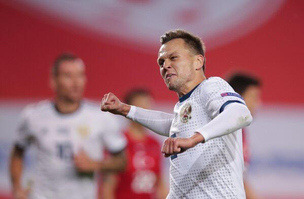 Полузащитник сборной России Денис Черышев