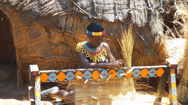 Местная жительница за работой, ЮАР