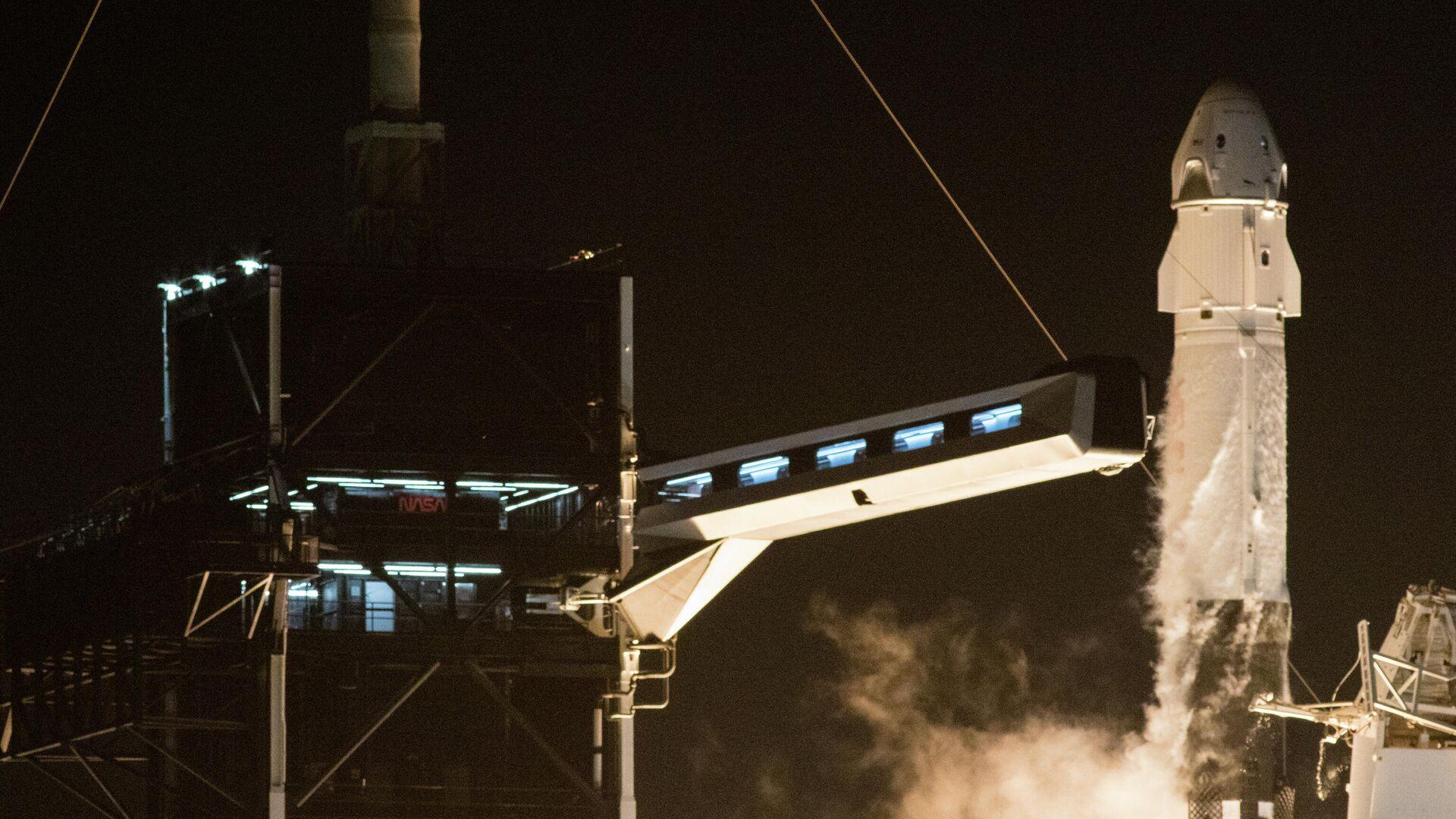 Старт ракеты Falcon 9 с кораблем Crew Dragon к МКС. 15 ноября 2020 - РИА Новости, 1920, 26.01.2021
