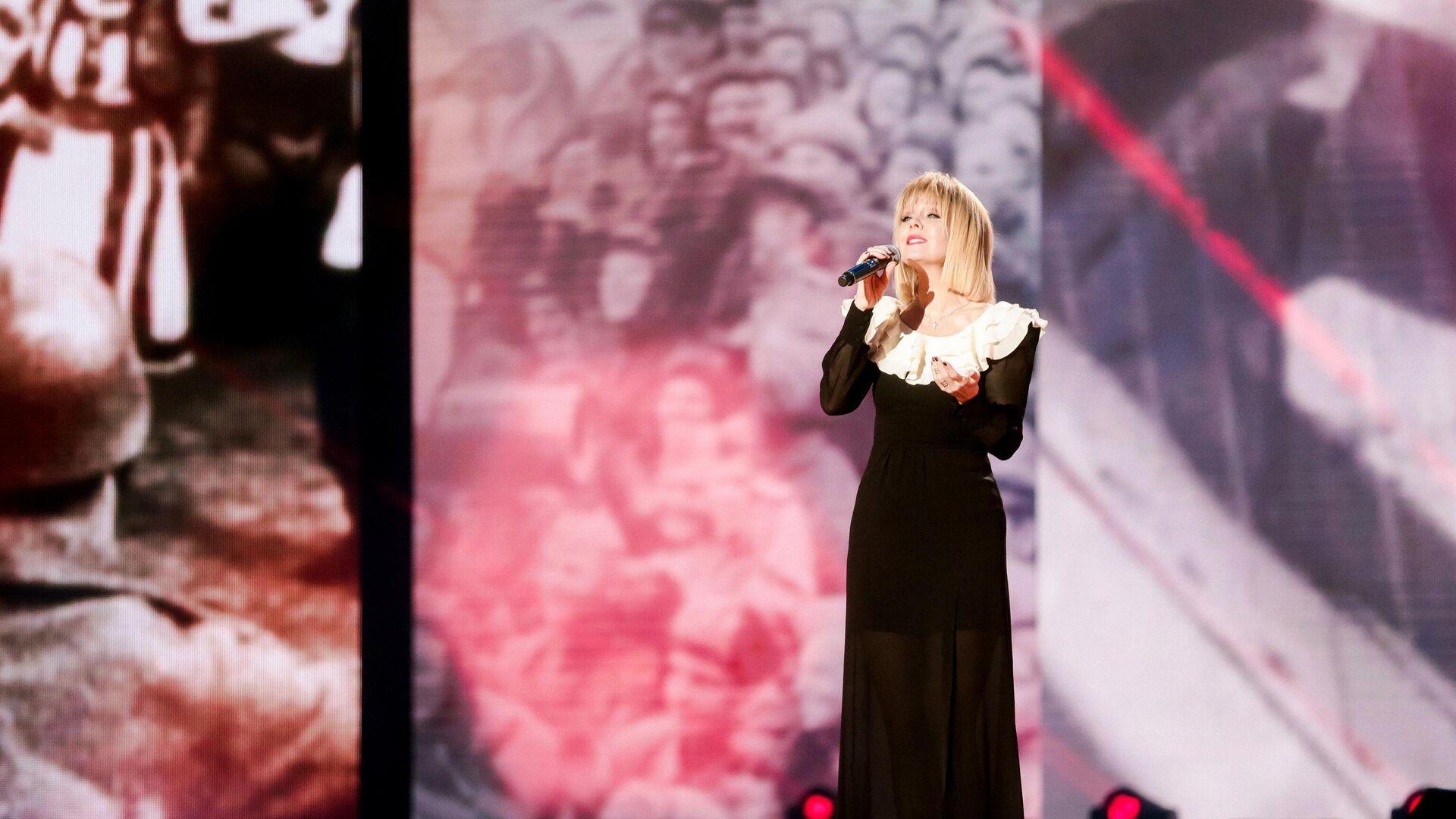 Певица Валерия во время записи онлайн-концерта Песни Великой Победы - РИА Новости, 1920, 14.03.2021
