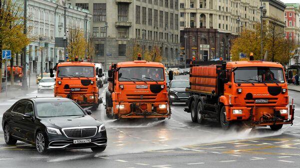 Промывка дорог и тротуаров концентрированным моющим средством в рамках подготовки к зиме
