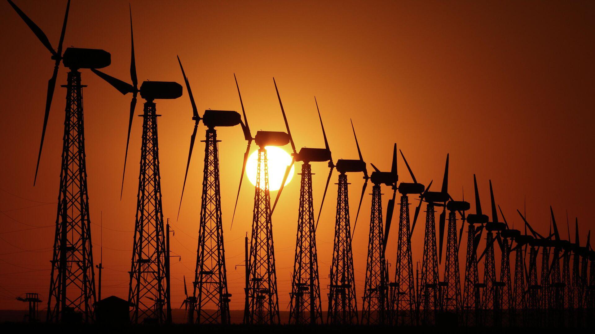 Ветрогенераторы на Мирновской ветроэлектростанции в Крыму - РИА Новости, 1920, 02.02.2021