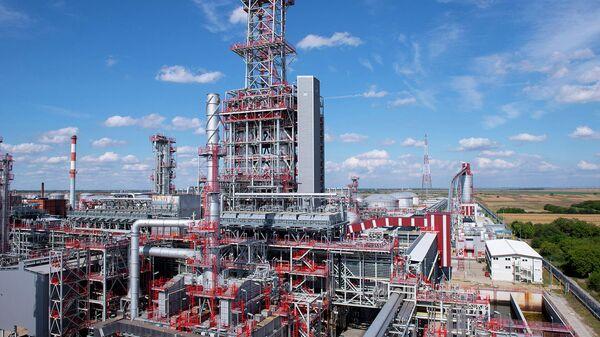 Работа комплекса Глубокая переработка на НПЗ в Панчево по Белградом