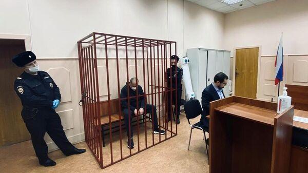 Аудитор Счетной палаты РФ Михаил Мень в Басманном суде Москвы