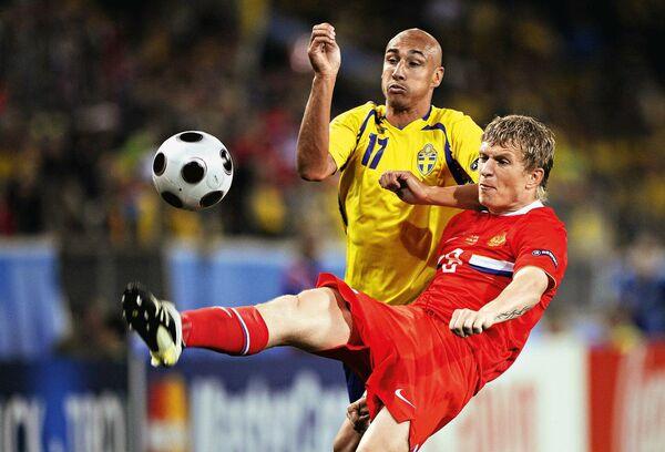 Денис Колодин в матче Россия - Швеция на чемпионате Европы 2008 года