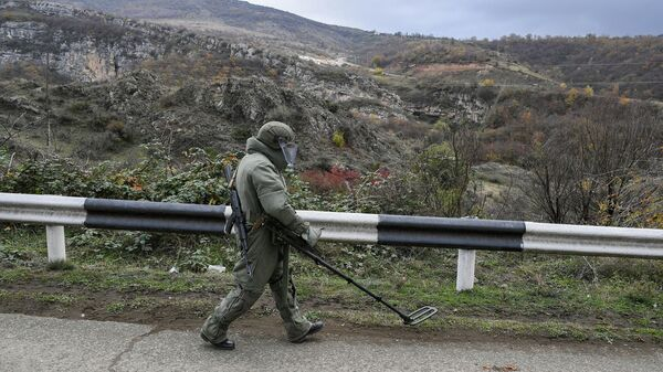Специалист Международного противоминного центра Минобороны России в Нагорном Карабахе