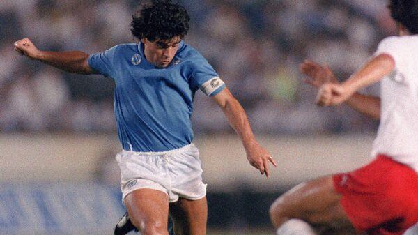 Диего Марадона в составе итальянского Наполи