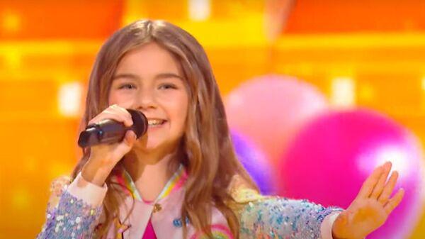 Выступление Валентины Тронель для Детского Евровидения. Кадр видео