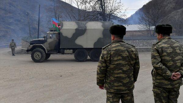 Колонна с азербайджанскими военными в Кельбаджарском районе