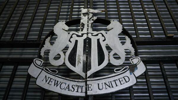 Логотип футбольного клуба Ньюкасл Юнайтед