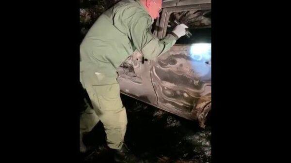 Криминалисты работают на месте убийства семьи с ребенком под Волоколамском