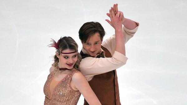 Анастасия Скопцова и Кирилл Алешин выступают в ритмическом танце на V этапе Кубка России - Ростелеком 2020-2021 гг. по фигурному катанию в Казани.