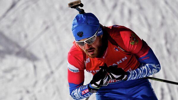 Антон Бабиков (Россия) на дистанции гонки преследования среди мужчин на II этапе Кубка мира по биатлону сезона 2020/21 в финском Контиолахти.