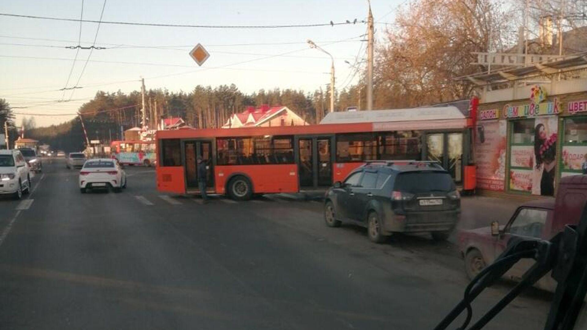 В Нижнем Новгороде автобус задавил женщину-водителя