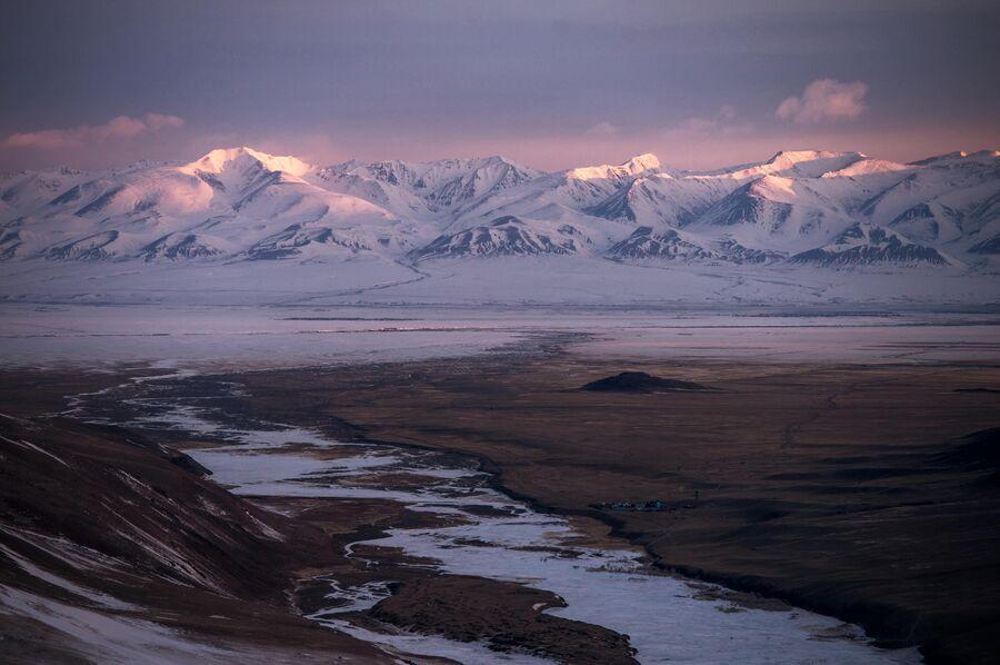 Курайский хребет в Кош-Агачском районе Республики Алтай