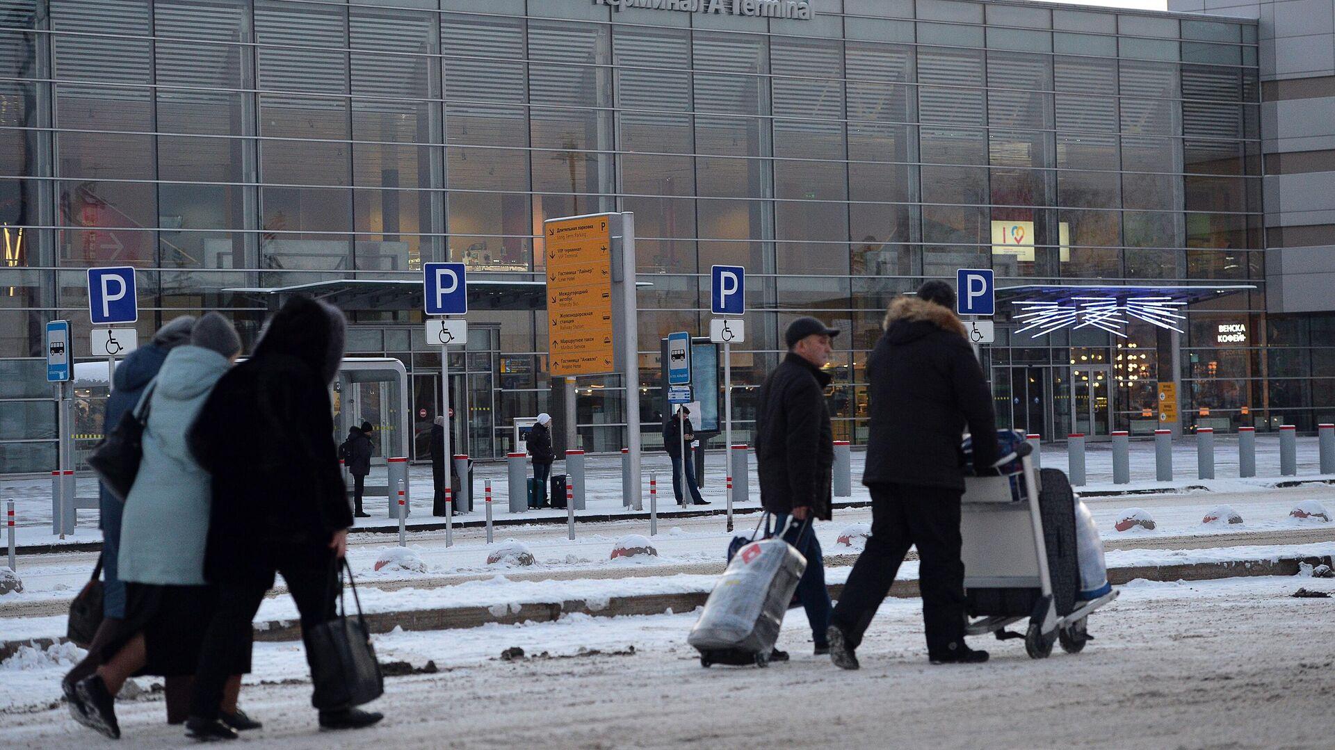 Вид на международный аэропорт Кольцово в Екатеринбурге - РИА Новости, 1920, 31.01.2021
