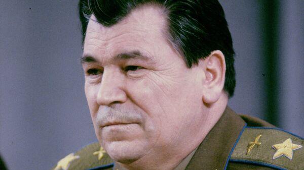 Евгений Шапошников, Главнокомандующий Вооруженными Силами СНГ, маршал авиации