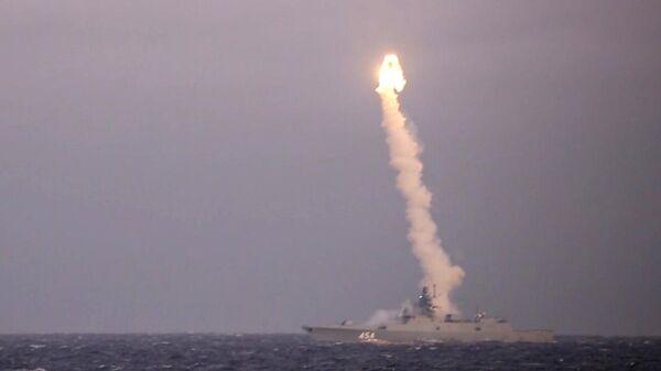 Испытательные стрельбы гиперзвуковой крылатой ракеты Циркон с фрегата Адмирал Флота Советского Союза Горшков из акватории Белого моря по береговой цели