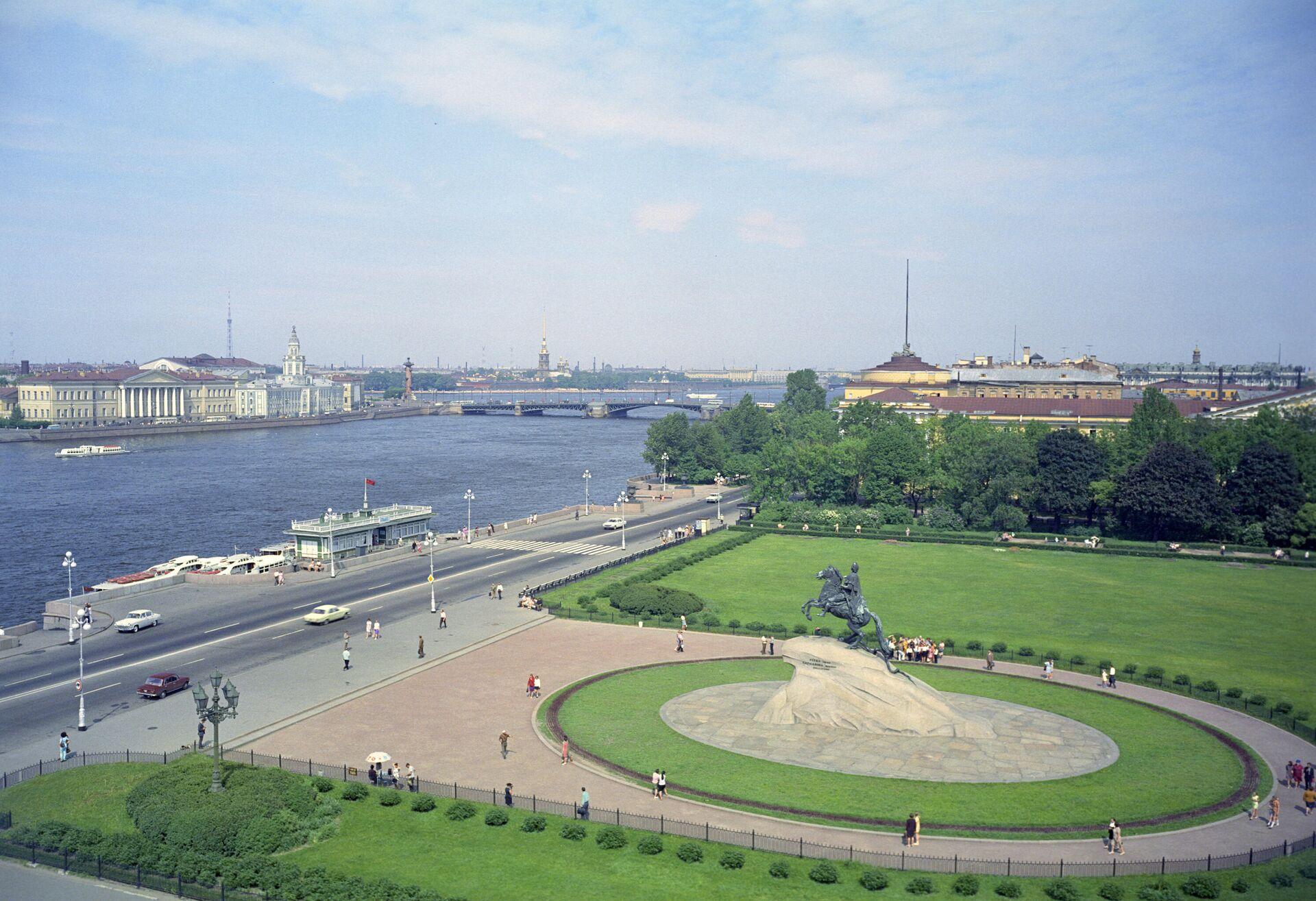 Вид на Площадь Декабристов (ныне Сенатская площадь) - РИА Новости, 1920, 13.12.2020