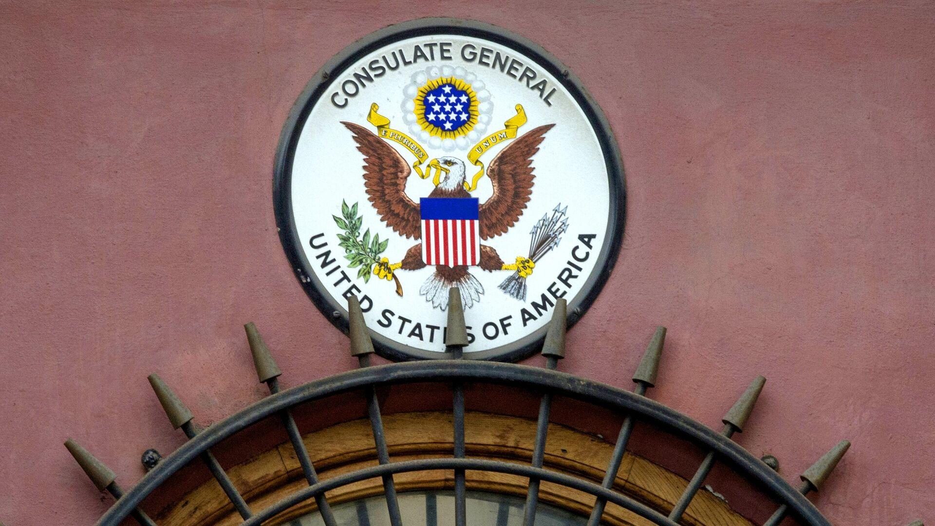 Американский герб на здании генерального консульства США в Санкт-Петербурге - РИА Новости, 1920, 02.05.2021