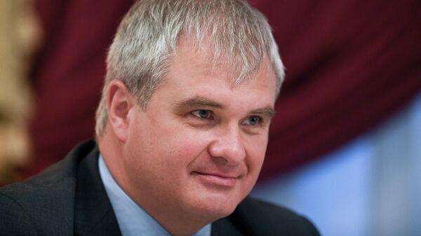 Председатель политической партии Россия против коррупции Роман Путин на съезде партии
