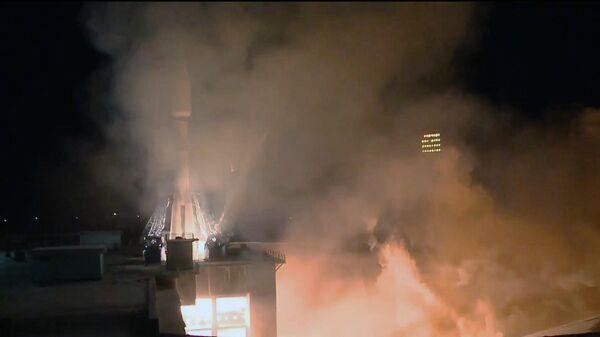 Пуск ракеты-носителя Союз-2.1б с разгонным блоком Фрегат и новой партией из 36 спутников связи OneWeb с космодрома Восточный