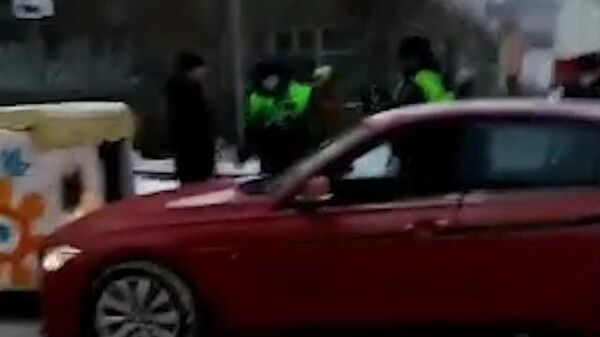 Емеля на дороге: BMW столкнулся с печкой на юго-западе Москвы