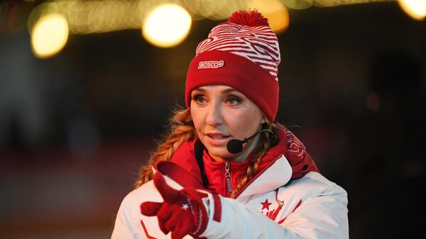 Двукратная чемпионка мира, олимпийская чемпионка в танцах на льду Татьяна Навка на открытии ГУМ-Катка на Красной площади.