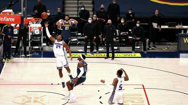 Матч НБА между командами Сакраменто Кингз и Денвер Наггетс