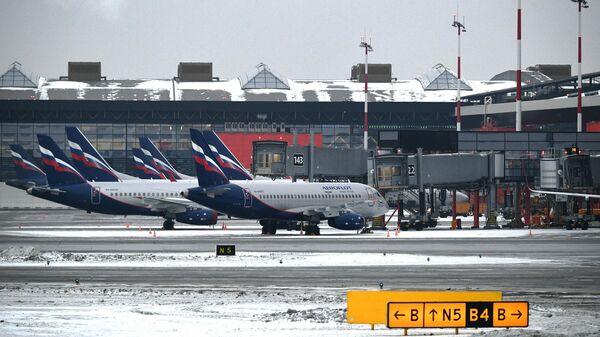 Самолеты авиакомпании Аэрофлот на летном поле Международного аэропорта Шереметьево