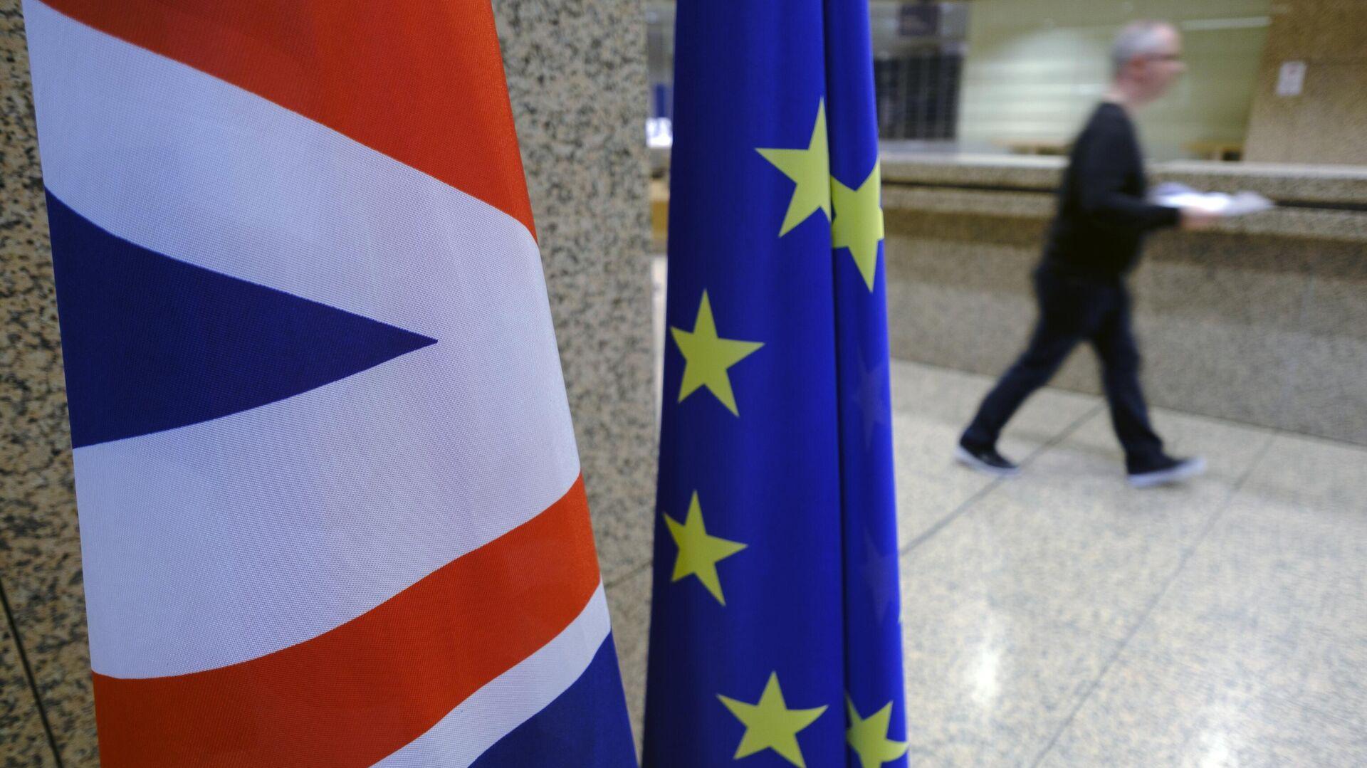 МИД прокомментировал торговую сделку между Евросоюзом и Британией
