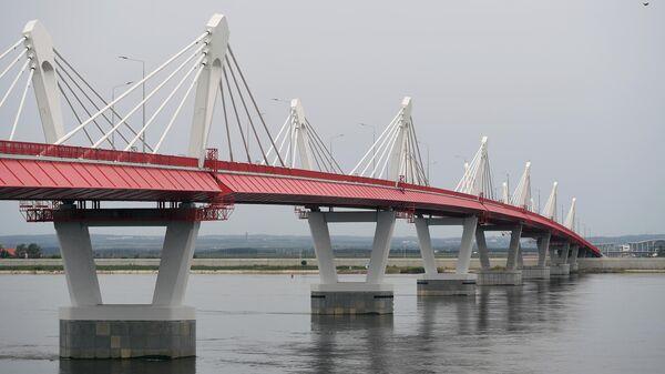 Автомобильный мост через Амур между Благовещенском и китайским Хэйхе