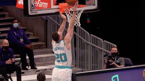 Игровой момент матча НБА Шарлотт Хорнетс - Бруклин Нетс