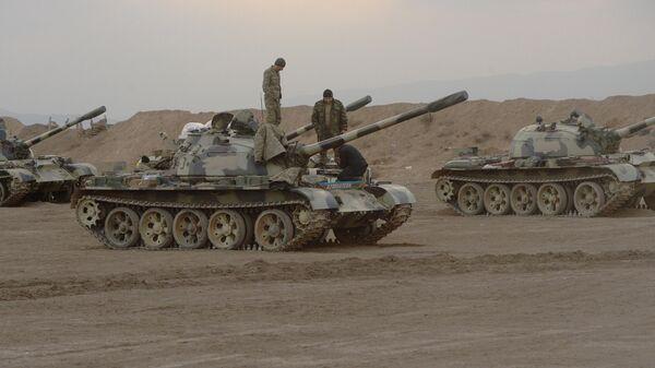 Азербайджанские танки Т-55 в зоне военного конфликта в Карабахе