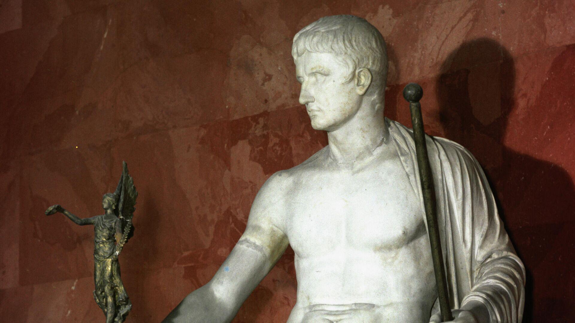 Статуя императора Октавиана Августа в образе Юпитера - РИА Новости, 1920, 07.04.2021