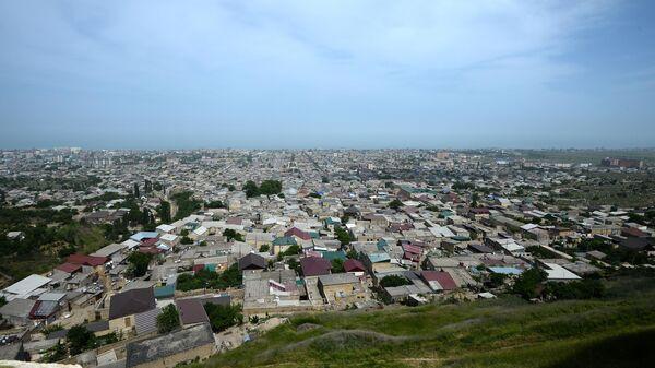 Вид на город Дербент от крепости Нарын-кала