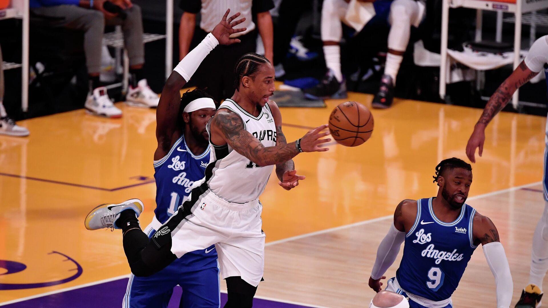 Матч НБА между командами Лос-Анджелес Лейкерс и Сан-Антонио Спёрс - РИА Новости, 1920, 08.01.2021