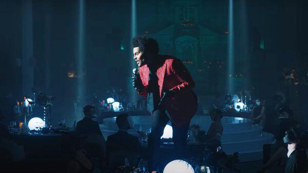 The Weeknd - Save Your Tears. Кадр видео