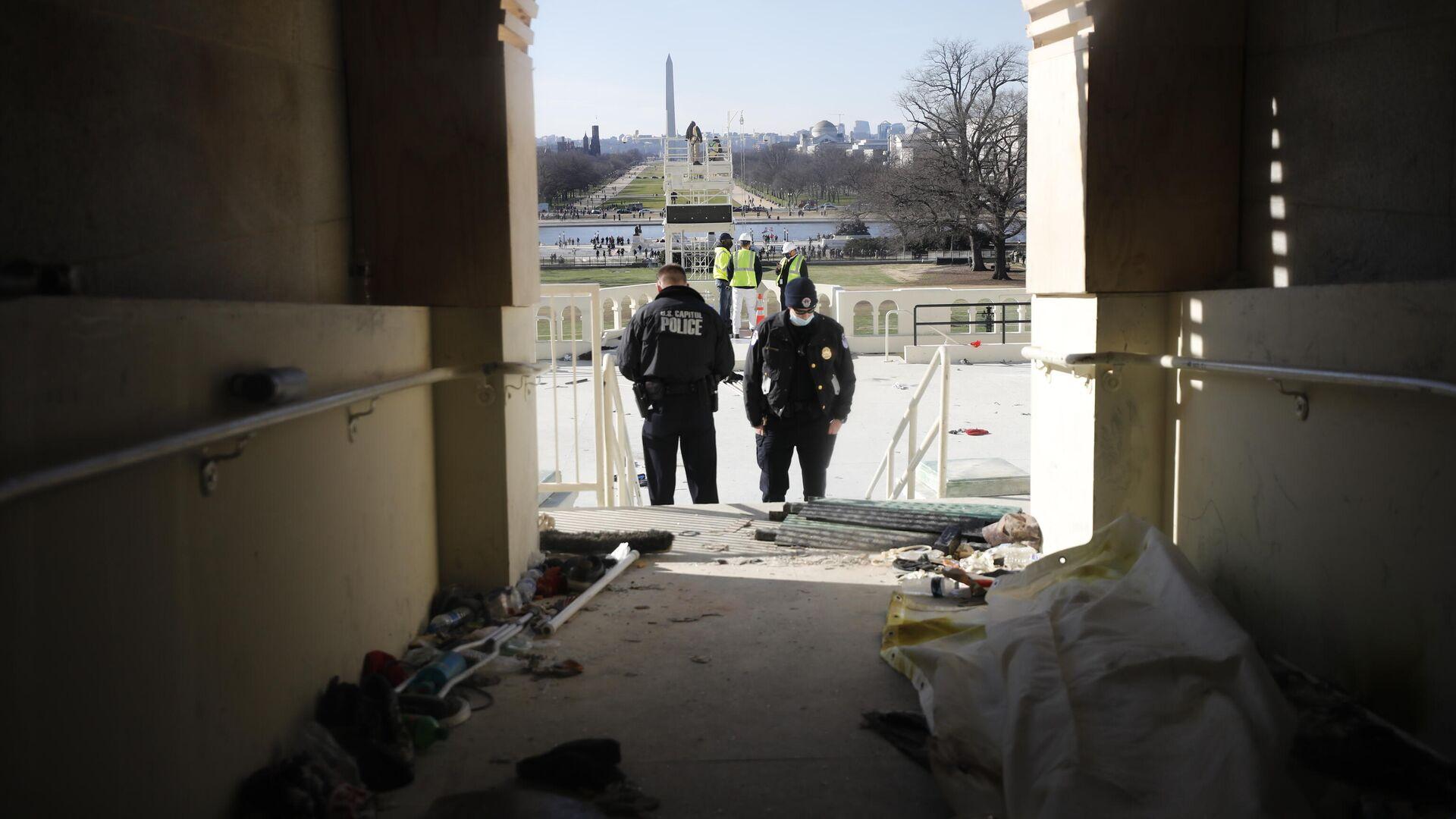 Последствия штурма Капитолия (здания Конгресса США) сторонниками Дональда Трампа на Капитолийском холме в Вашингтоне - РИА Новости, 1920, 17.01.2021