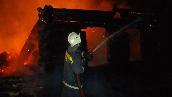 Тушение пожара в частном доме по улице Трактовой поселка Боровский Тюменского района