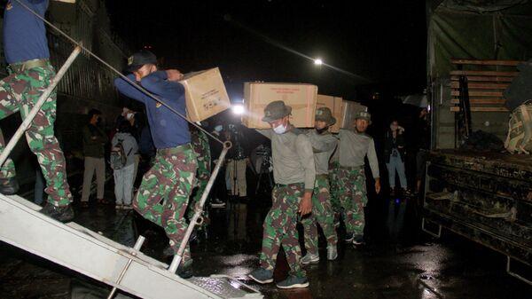 Подготовка спасательной операции на месте крушения самолета компании Sriwijaya Air