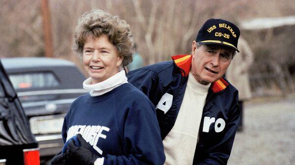 Нэнси Буш Эллис с братом, бывшим президентом США Джорджем Бушем-старшим
