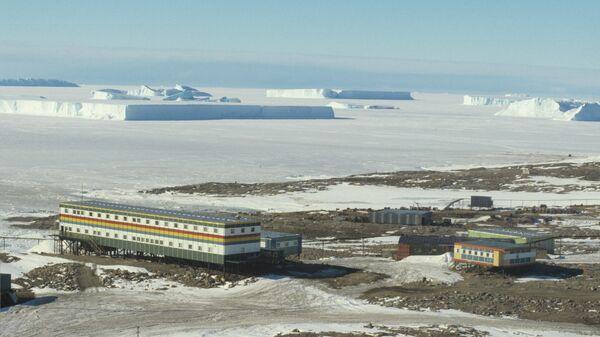Станция Молодежная в Антарктиде