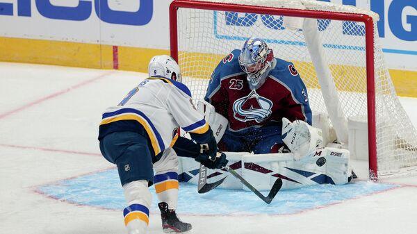 Игровой момент матча НХЛ Сент-Луис Блюз - Колорадо Эвеланш