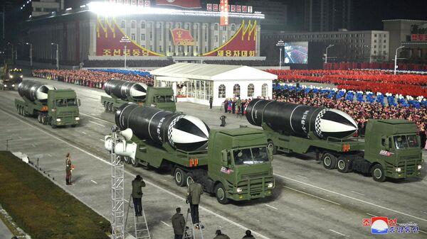 Военный парад по случаю VIII съезда Трудовой партии Кореи в Пхеньяне